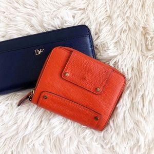 VINCE CAMUTO blood orange folded wallet w/zipper